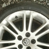 Vauxhall Insignia 18 inch alloy wheel with 245/45/18 tyre